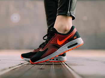 Dlaczego warto mieć sneakersy Nike Air Max, czyli idealne buty do biegania w zasięgu Twojej kieszeni