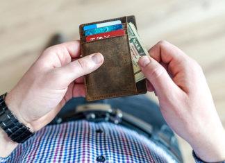 Pożyczka dla osiemnastolatka – kto jej udzieli?