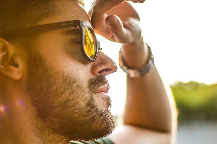 Okulary przeciwsłoneczne dla kierowców - polaryzacyjne, do jazdy nocą. Jakie wybrać?