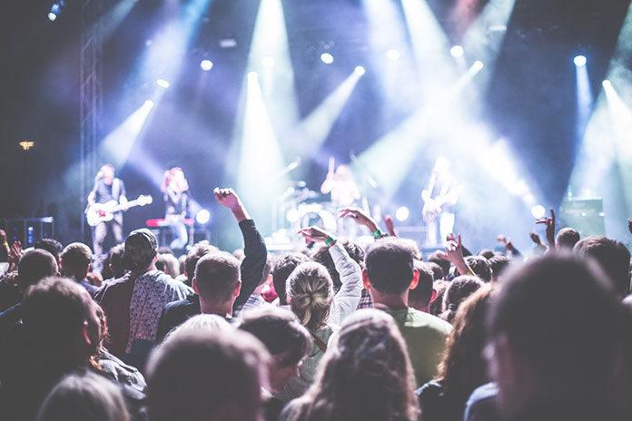 Jak przygotować widowiskowy koncert? Odpowiednia oprawa oświetleniowa gwarancją wyjątkowych wrażeń