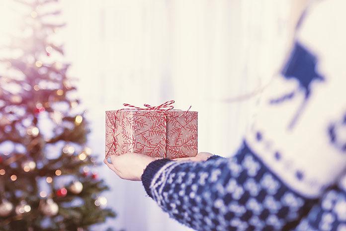 Najlepsze prezenty dla kobiet, czyli co ofiarować żonie, koleżance czy teściowej?