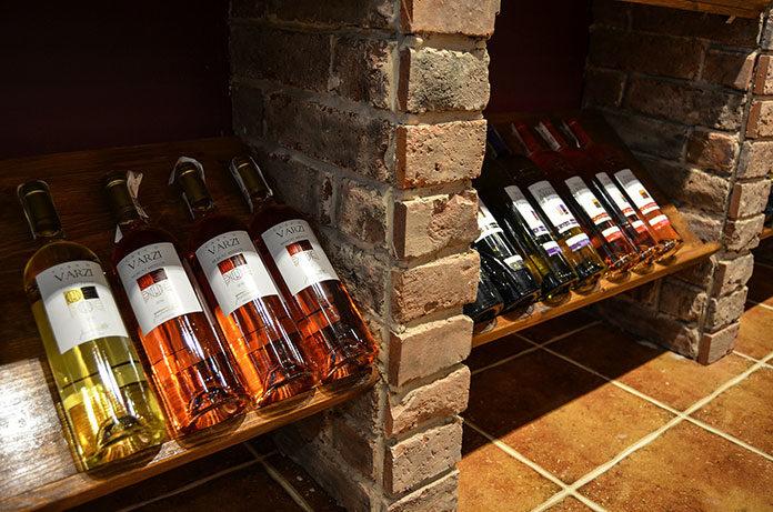 Sklep z winami – jaki wybrać?