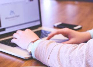 Kredyt gotówkowy przez internet – na co zwracać uwagę?