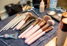 Kosmetyki zamawiane przez internet - czy warto kupować w drogeriach internetowych?