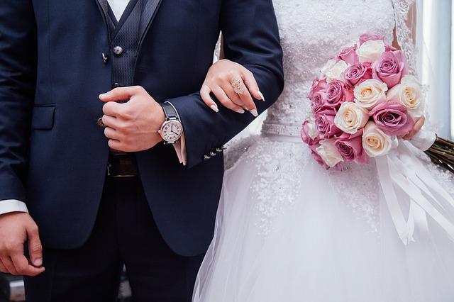 Idealna sukienka na wesele.