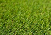Sztuczna trawa - czy warto ją wybrać?