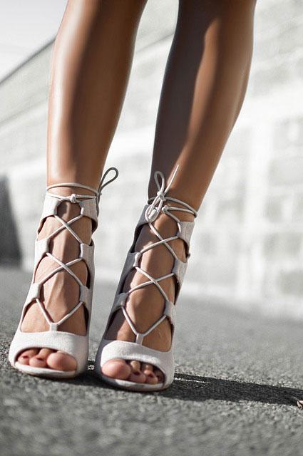 Sandały doskonałe do letnich stylizacji