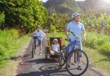 Wycieczka rowerowa całą rodziną – jak ułatwi ją przyczepka rowerowa?