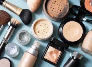 Jak się powinno wykonywać prawidłowy makijaż?