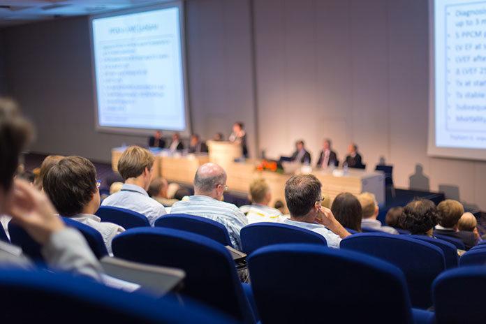 Jak powinna wyglądać idealna sala konferencyjna? 5 obowiązkowych elementów wyposażenia