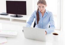 Jak bezpiecznie znaleźć pracę za granicą