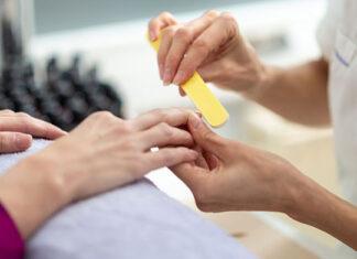 Jak uzyskać właściwy kształt paznokci